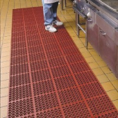 "Comfort Mate Floor Mat, 3'x5' with 7/8"" height, Red Nitrile Rubber"